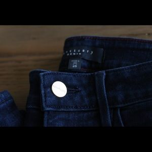Sanctuary skinny jeans size 26. Style is Robbie